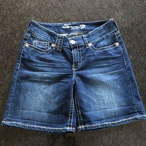 Seven7 jean denim blue Shorts size 12 Petite NWOT